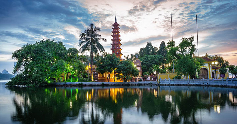 Tran-Quoc-pagoda-the-oldest-temple-Vietnam